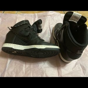 Nike black High top size 7